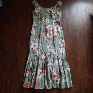 Island Wear Maxi Ruffled Dress Size Medium